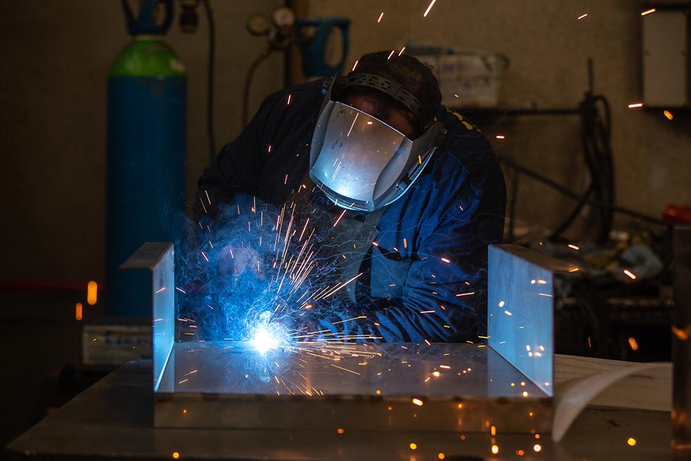 saldatura-robotizzata-manuale-nuovareda-carpenteria-metallica-taglio-laser-longiano-forlì-cesena