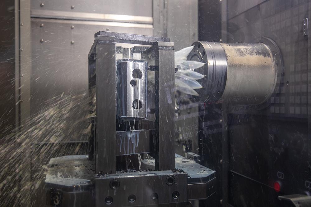 centri-lavoro-lavorazione-precisione-forature-filettature-fresature-contorniture-lamature-nuovareda-carpenteria-metallica-taglio-laser-longiano-forlì-cesena